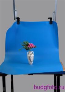 Предметный столик с вазой