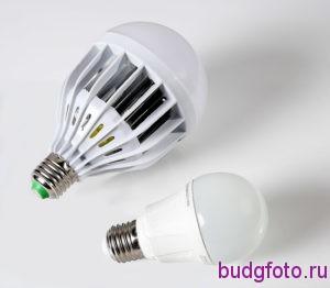 две светодиодные лампы