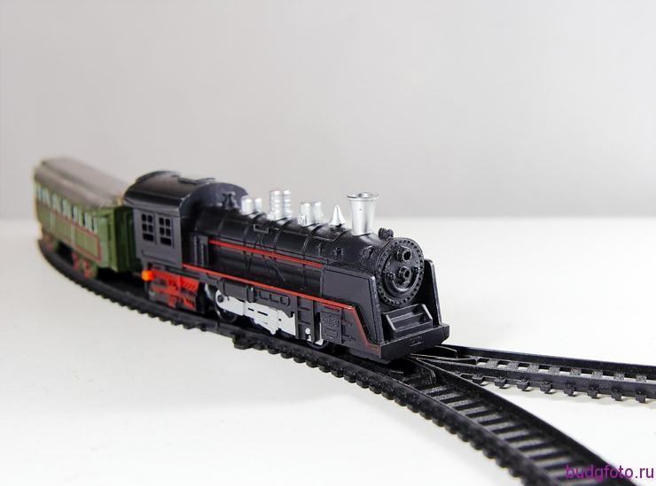 натюрморт с поездом